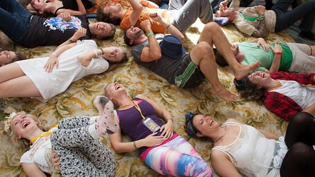2ce1c145-4482-43ce-b4be-0d5e768420ae-laughter-yoga-class-people-laughing