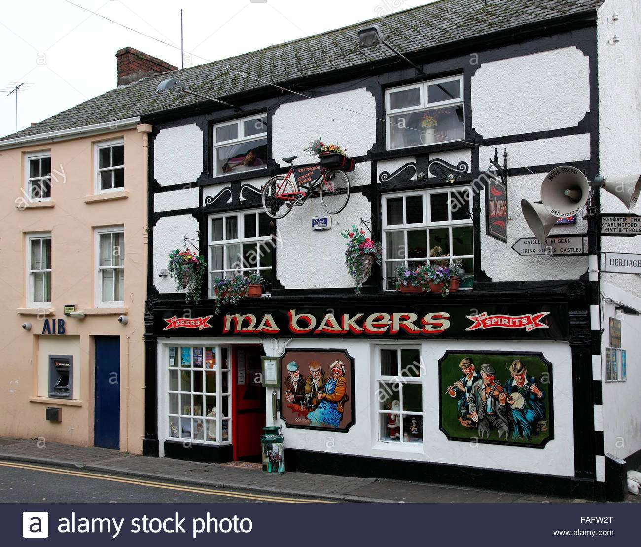 ma-bakers-licenced-grocer-and-pub-in-carlingford-FAFW2T