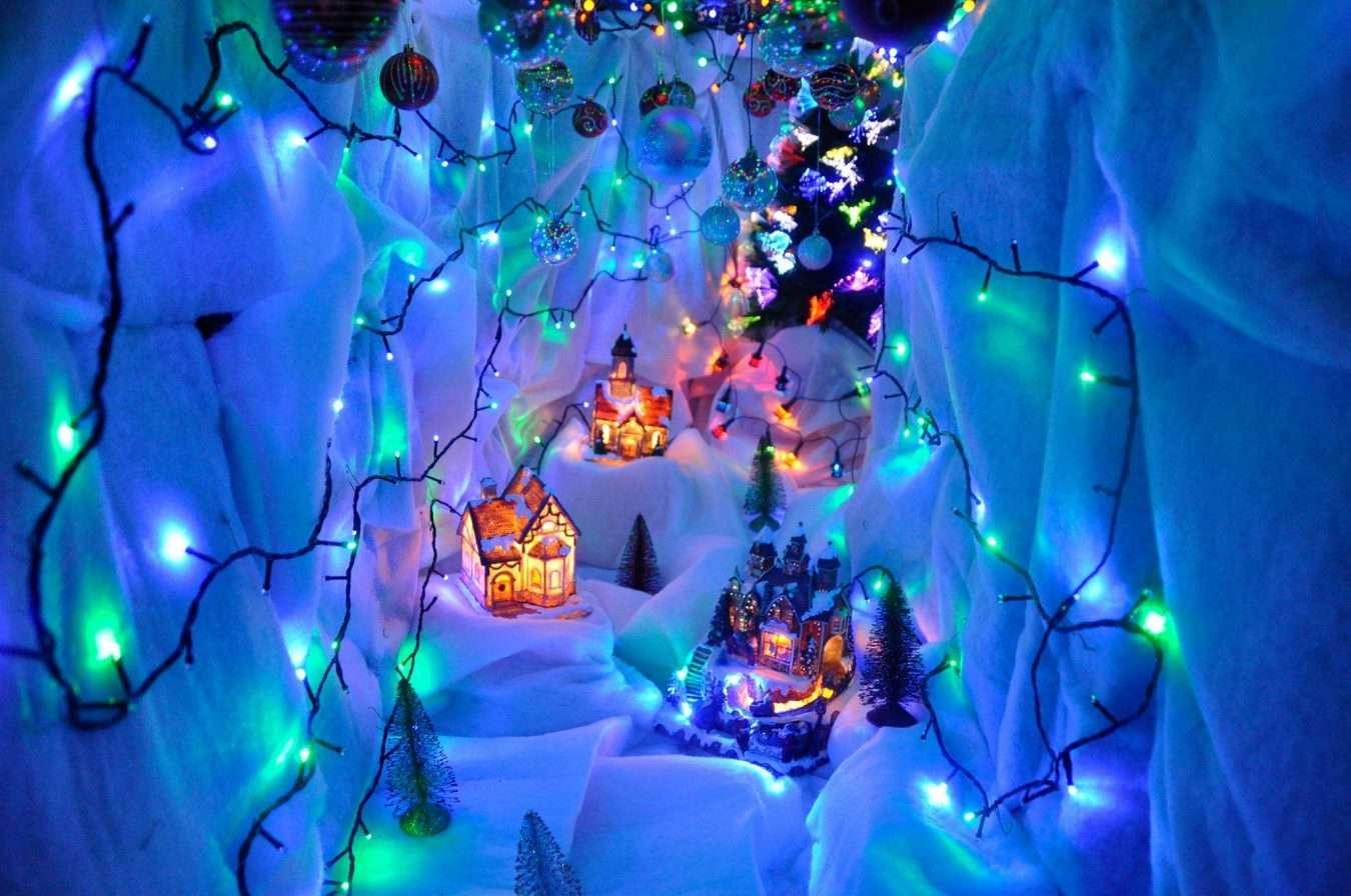 santa's-cavern